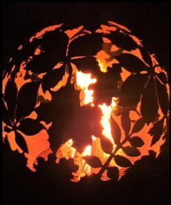 Dārza kamīns ugunskura vieta ugunsbumba ar lapu motīvu